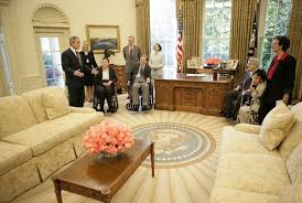 george w bushs office in 2005white house amazoncom white house oval office
