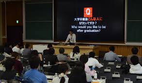 lecture and exchange meeting nitobe graduate school mentors in the second session the mentors and students divided in several groups and exchanged ideas they discussed on the topic of their interests and challenges