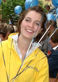 Email: laurence.libert@jongvldhasselt.be. Laurence studeerde Toegepaste Economische Wetenchappen aan het LUC in Diepenbeek en vervolmaakte haar opleiding ... - Laurence%2520Libert%25202