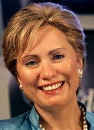 Hillary Clinton, Amerikaanse minister van buitenlandse zaken (zouden we zeggen), laat zich met haar toespraken regelmatig in de kaarten kijken. - Hillary_Clinton