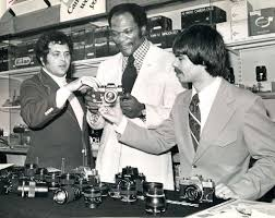 carl eller mystery photo news tribune attic while looking in the news tribune attic earlier this week i found this photo of minnesota vikings great carl eller holding a camera flanked by two