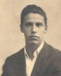 L'8 settembre fu coinvolto dal fuggi fuggi generale anche Giovanni Guidotti, richiamato alle armi, fornaio, che una volta ritornato a Prato non riusciva a ... - guidotti