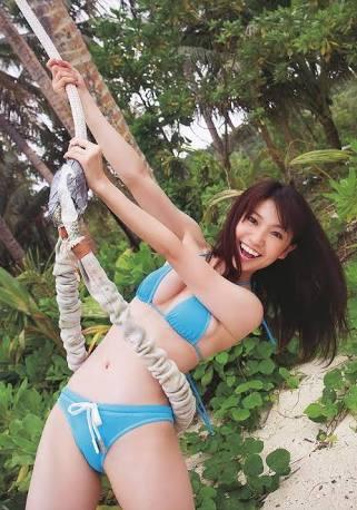 水着の大島優子