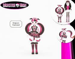 <b>Monster High</b> с защёлкивающейся одеждой (Draculaura with snap ...