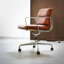 i love this chaircharles ray eames model ea 208 soft pad group bedroommarvellous eames office chair soft