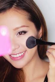 personal essay on makeup tutorials michphan videos i came to a point where if i didn t start learning how to do basic hair and makeup i was at risk of going out in public looking like a bridge troll