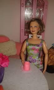 Resultado de imagen para familia de barbie y ken en casa