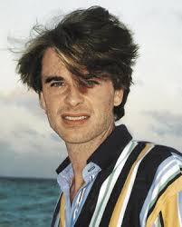 Juan Pablo Gamboa nació el 24 de noviembre de 1966 y creció, junto a sus cuatro hermanos, en Colombia. Muy pronto se decantó por el mundo artístico. - juan_pablo_gamboa_articulo_portrait