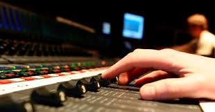 Audio <b>Engineer</b> Roles: What Does a Sound <b>Engineer</b> Do?