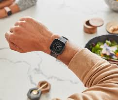 Fitbit Versa 2 vs. Apple Watch: How The New Rivals Compare   Tech ...