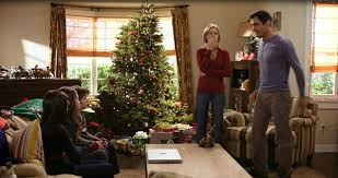 Phil and Claire Dunphy    s  quot Modern Family quot  House For SaleModern Family Dunphy house Undeck the Halls ep
