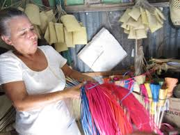 study abroad n republic blog service learning ciee juana evangelista esposito gonzalez is an artisan who belongs to arte a mano an association of artisans that make traditional n art by hand using
