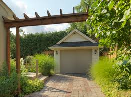 working creating patio: home centers and paving companies are increasingly relying on creating patios and terraces with concrete pavers because they are much less expensive than