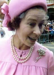 Pauline Carter, 60, from Paignton, Devon captured the Queen in ebullient mood on Silver Jubilee day, 1977. She says: My mum, Phyllis, and I were in the ... - article-1306648-0AEA25F3000005DC-883_306x423