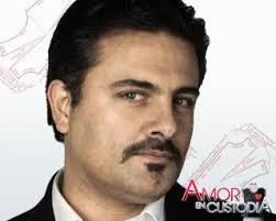 Aunque está apenada con Juan Manuel (Ernesto Calzadilla) su padre al enterarse de que Gabriela (Patricia Tamayo), su mamá le fue infiel antes de morir, ... - amorEnCustodia_17jun10