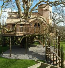 Tree House Pictures  Play Club Plans to Big Kid Housestree house mansion