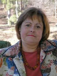 Erin Bailey has been delivering successful community arts programs for more than thirty years, working for the City of Atlanta Office of Cultural Affairs. - E-Bailey-Headshot-3-08