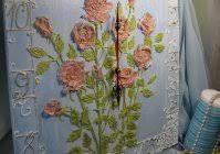 """<b>Часы</b> с объемным декором """"Розы на небесном"""""""