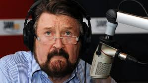 BROADCASTER Derryn Hinch told listeners today his liver cancer has grown back after initial chemotherapy appeared to have eradicated a major tumour. - 853679-derryn-hinch