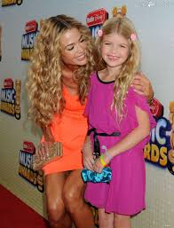 Foto de Denise Richards  & su Hija  Lola Rose Sheen
