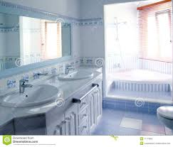 blue bathroom tile ideas:  classic blue bathroom interior tiles decoration