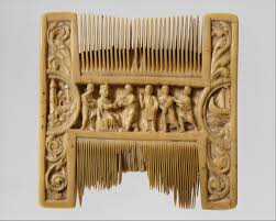 pilgrim    s badge of the shrine of st  thomas becket at canterbury    double sided ivory liturgical comb   scenes of henry ii and thomas becket