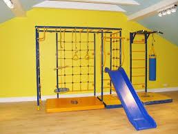 Детские уличные <b>спортивные комплексы</b>