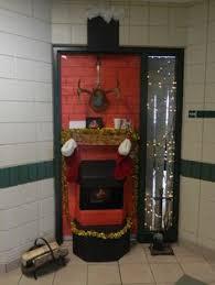 shhs christmas door contest mr chisholms grade 10 math aaron office door decorated