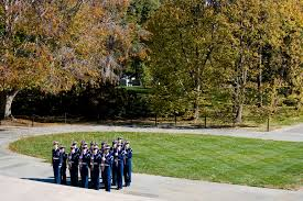 u s department of defense photo essay coast guardmen stand in an honor guard formation at the tomb of the unknowns at arlington