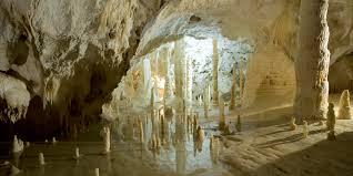 Risultati immagini per grotte di frasassi