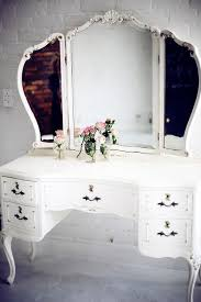 vintage vanity is gorgeous wish i had a larger bedroom i would so have beautiful home furniture ideas vintage vanity