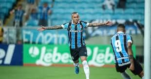 Everton Cebolinha entra na mira do Milan, segundo jornal