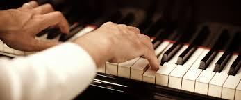 Αποτέλεσμα εικόνας για πιανίστας Βασίλης Τσαμπρόπουλος