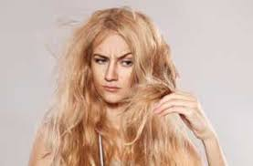 images?q=tbn:ANd9GcSFqAdwHMTIj437GZXAL0i JNUVz4KIJIGse1m3n9D50mH3PBEg - بوتاکس مو برای درمان موهای وز و موخره