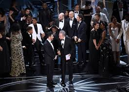 moonlight deadline donald trump takes credit for oscars best picture snafu