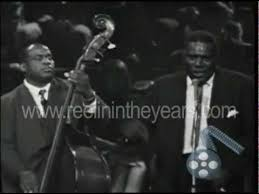 "<b>Howlin</b>' <b>Wolf</b> ""Smokestack Lightning"" Live 1964 (Reelin' In The ..."