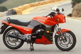 <b>Top Gun bike</b> turns 30; Kawasaki celebrate