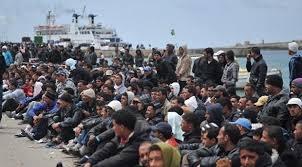 Bildergebnis für Bootsflüchtlinge gerettet