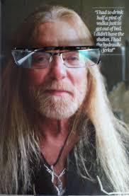Gregg Allman in my glasses. 0.000000 0.000000 - gregg-allman