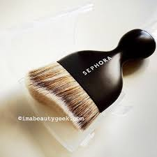 i 39 m so having an affair with this new sephora pro contour kabuki makeup brush