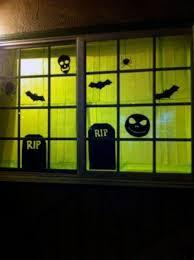 love halloween window decor: halloween window decorations pictures eabdceebdc halloween window decorations pictures