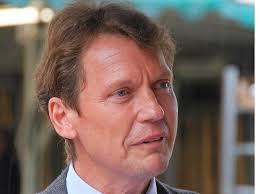 Den Stein ins Rollen brachte <b>Andreas Paschen</b>. Er entdeckte die Preistafel <b>...</b> - manfred-bardtke-198x148