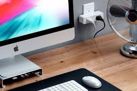 Умная <b>розетка Satechi Dual</b> Smart Outlet с поддержкой <b>HomeKit</b>