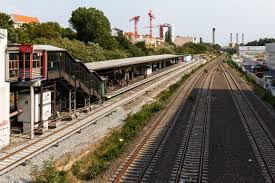 Berlin-Halensee station