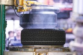 Изобрести колесо: эволюция <b>автомобильной шины</b>