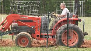'I was gonna T-bone him': <b>Tractor driver</b> helps end dangerous police ...