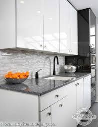 white kitchen high gloss marble