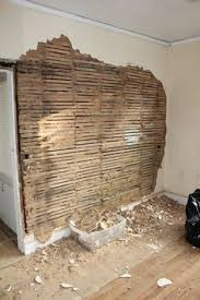 Small Picture 6 Steps How to remove plaster walls ehowdiycom Historic