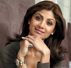 News: Shilpa Shetty Confirms She Is Pregnant! Shilpa Shetty has confirmed that she and her husband Raj Kundra are expecting their first baby together! - ShilpaShettyES_468x450