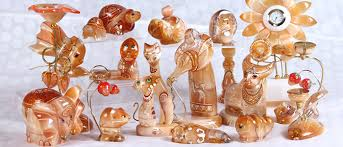 Фигурки из уральских самоцветов – мода всегда ... - RusKniga